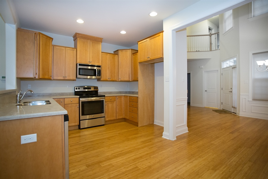 Real Estate Photography - 148 Landis Way N, Wilmington, DE, 19803 - Very functional and open kitchen!