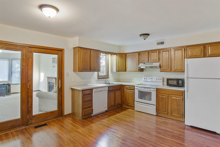 Real Estate Photography - 16 Green Meadow Ct, Newark, DE, 19711 - Eat In Kitchen