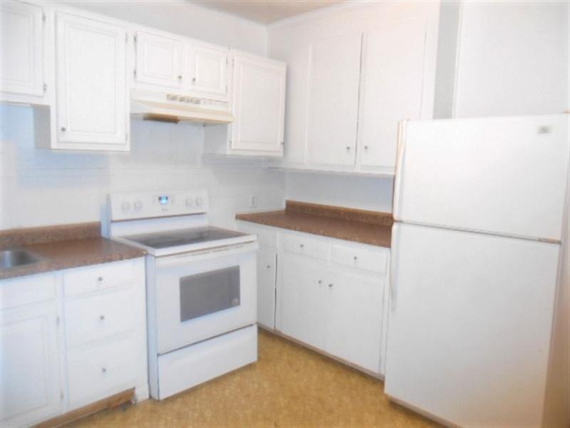 Real Estate Photography - 427 S Jackson St, Wilmington, DE, 19805 - Kitchen