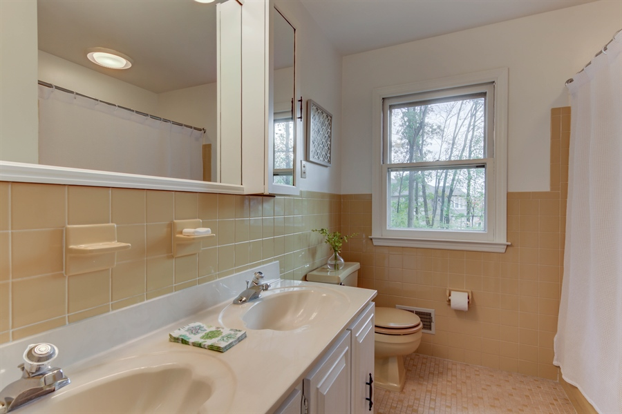 Real Estate Photography - 118 Weldin Park Dr, Wilmington, DE, 19803 - Location 25