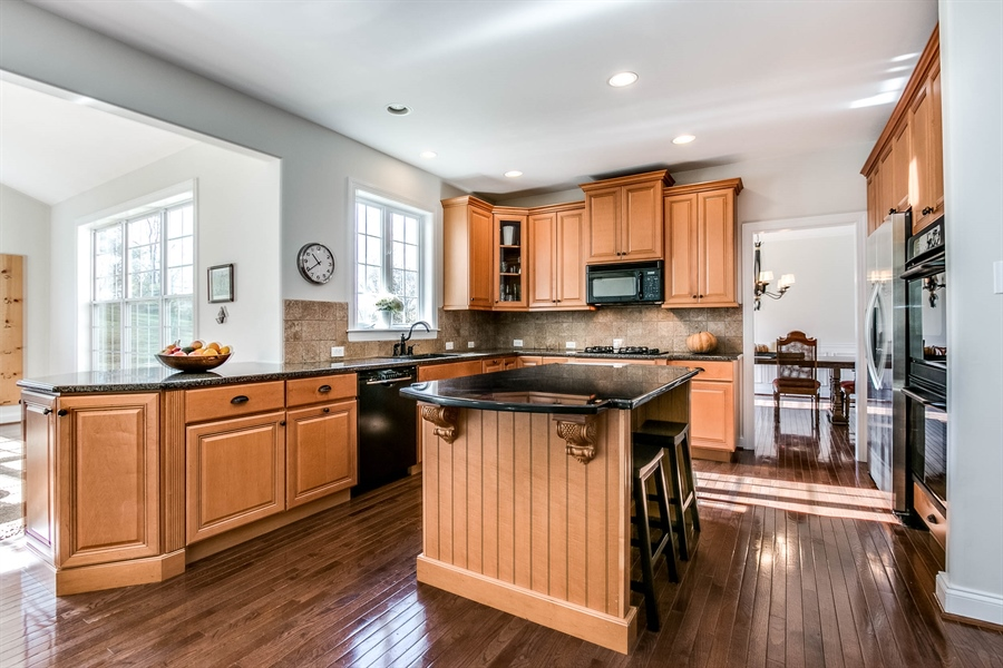 "Real Estate Photography - 104 Cezanne Ct, Landenberg, PA, 19350 - Kitchen - 42"" Cabinetry & Tile Backsplash"