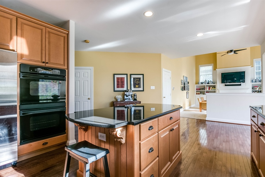 Real Estate Photography - 104 Cezanne Ct, Landenberg, PA, 19350 - Kitchen - Double Oven & Cooktop Stove