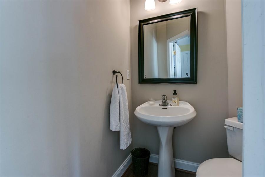 Real Estate Photography - 104 Cezanne Ct, Landenberg, PA, 19350 - Powder Room