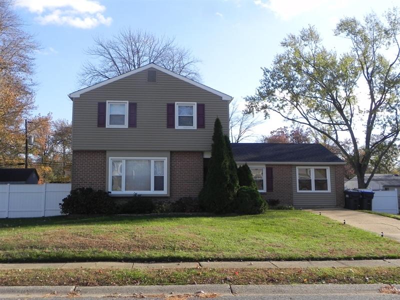 Real Estate Photography - 3312 Altamont Dr, Wilmington, DE, 19810 - Front of House