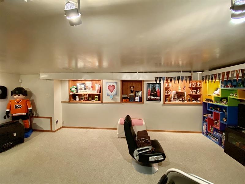 Real Estate Photography - 3312 Altamont Dr, Wilmington, DE, 19810 - Built-ins