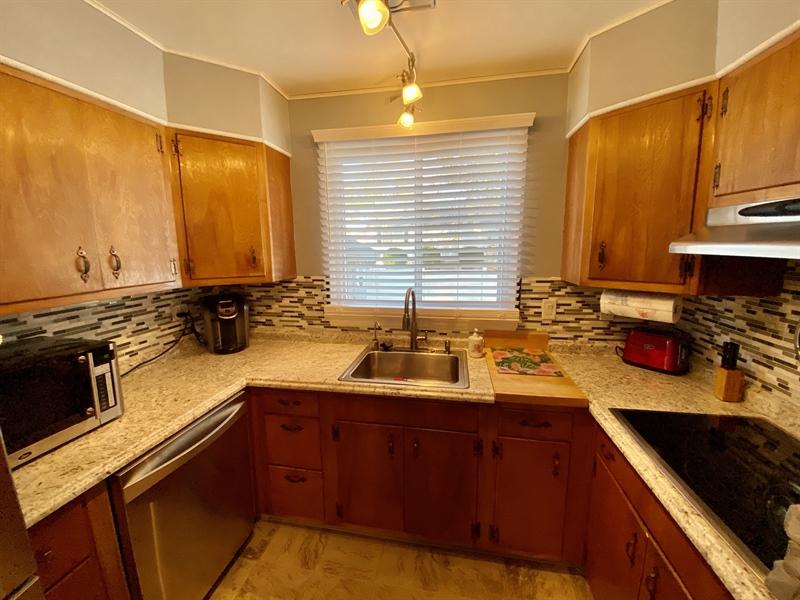 Real Estate Photography - 3312 Altamont Dr, Wilmington, DE, 19810 - Cooktop Stove