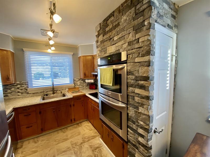 Real Estate Photography - 3312 Altamont Dr, Wilmington, DE, 19810 - Beautiful Stonework