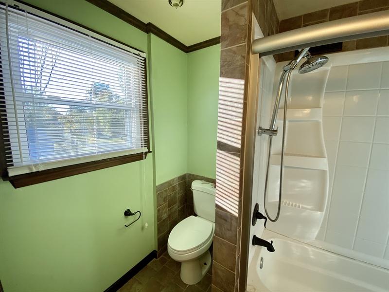Real Estate Photography - 3312 Altamont Dr, Wilmington, DE, 19810 - Full Bath