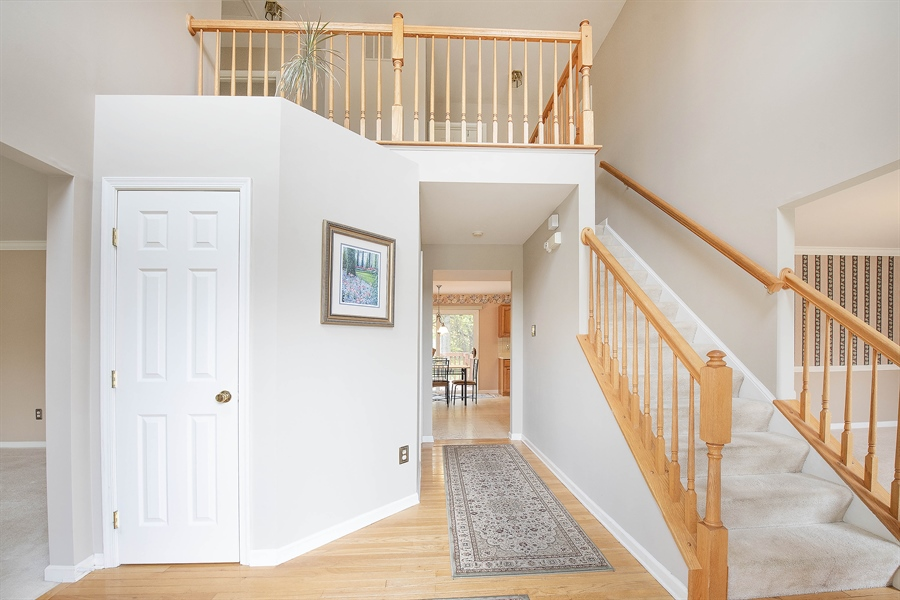Real Estate Photography - 17 Westwoods Blvd, Hockessin, DE, 19707 - Gorgeous 2-Story Entry Hall