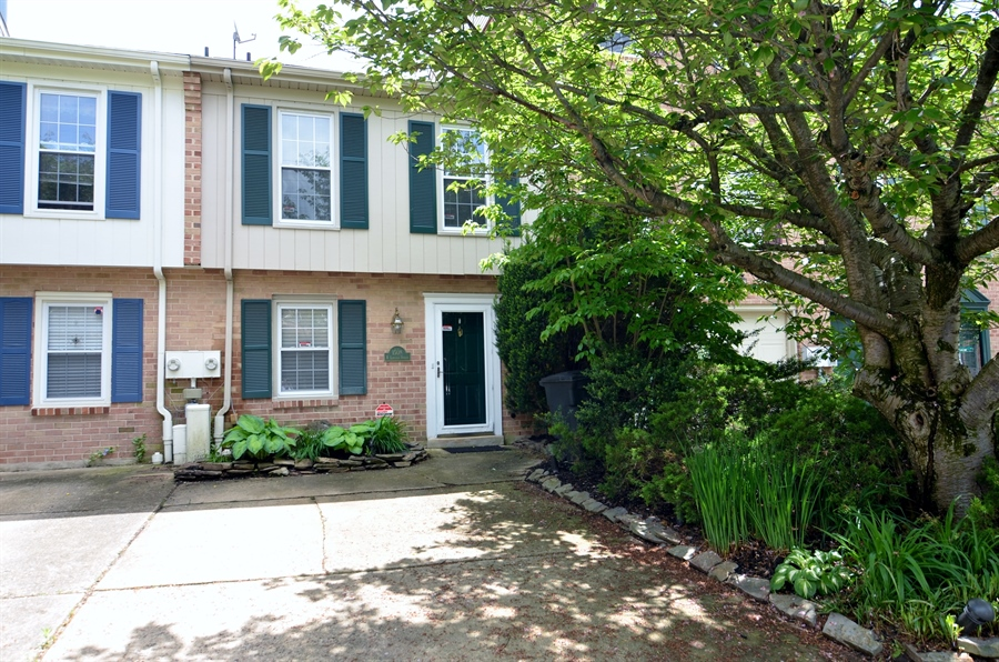 Real Estate Photography - 1508 N Lincoln St, Wilmington, DE, 19806 - Welcome to 1508 N. Lincoln Street
