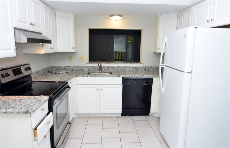 Real Estate Photography - 1508 N Lincoln St, Wilmington, DE, 19806 - Updated, Spacious Kitchen