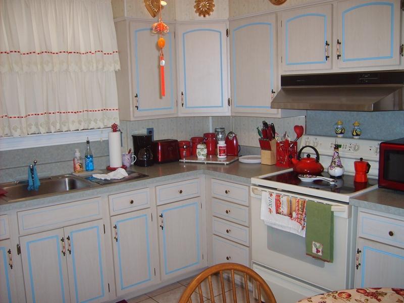 Real Estate Photography - 1606 Willis Pl, Wilmington, DE, 19805 - Kitchen