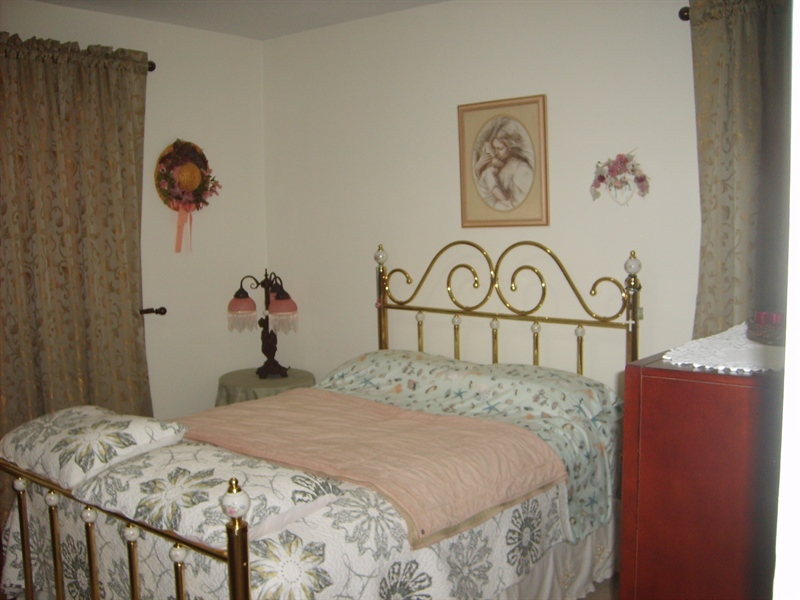 Real Estate Photography - 1606 Willis Pl, Wilmington, DE, 19805 - Master Bedroom
