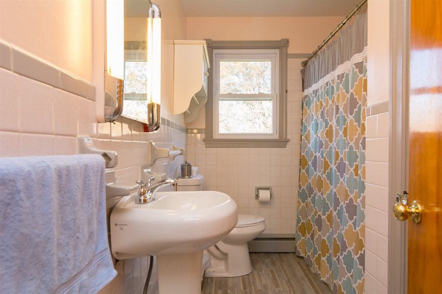 Real Estate Photography - 4535 Brenford Rd, Smyrna, DE, 19977 - First Floor Full Bathroom