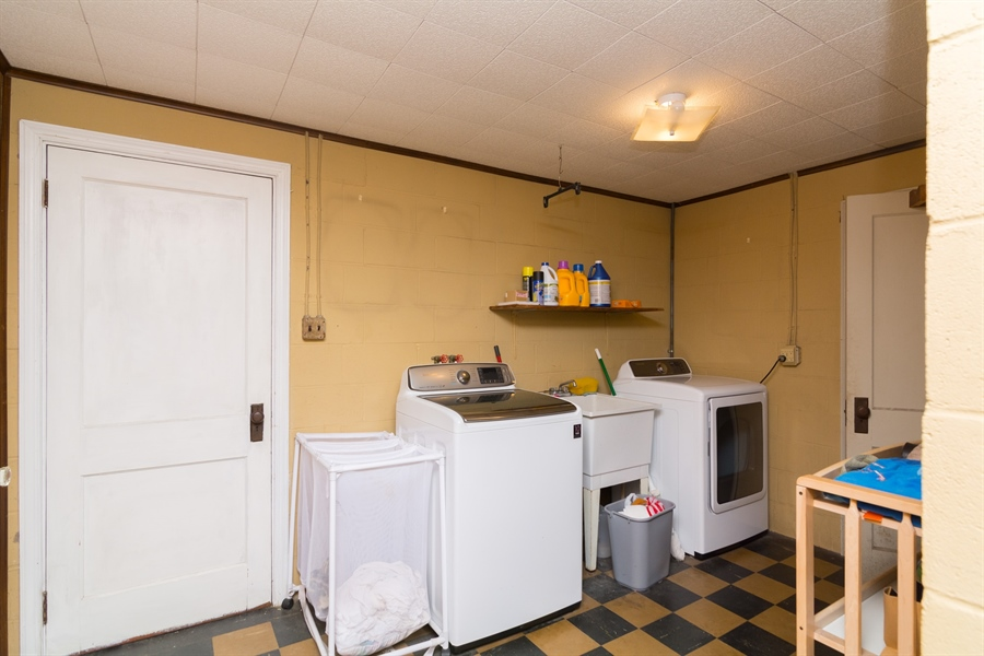Real Estate Photography - 4535 Brenford Rd, Smyrna, DE, 19977 - Large Laundry Room