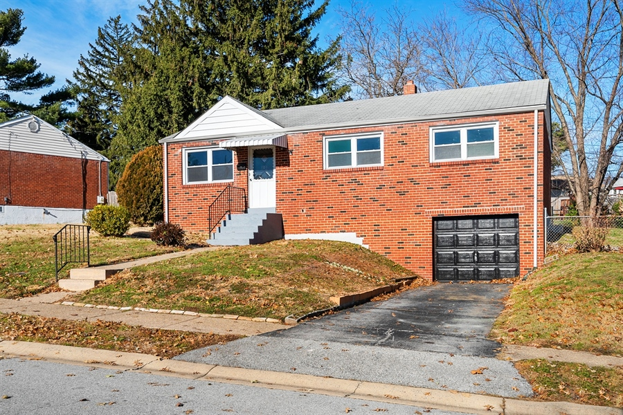 Real Estate Photography - 303 Valley Rd, Wilmington, DE, 19804 - Welcome Home!