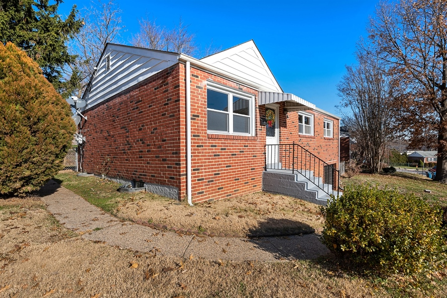Real Estate Photography - 303 Valley Rd, Wilmington, DE, 19804 - Charming All Brick Ranch Home