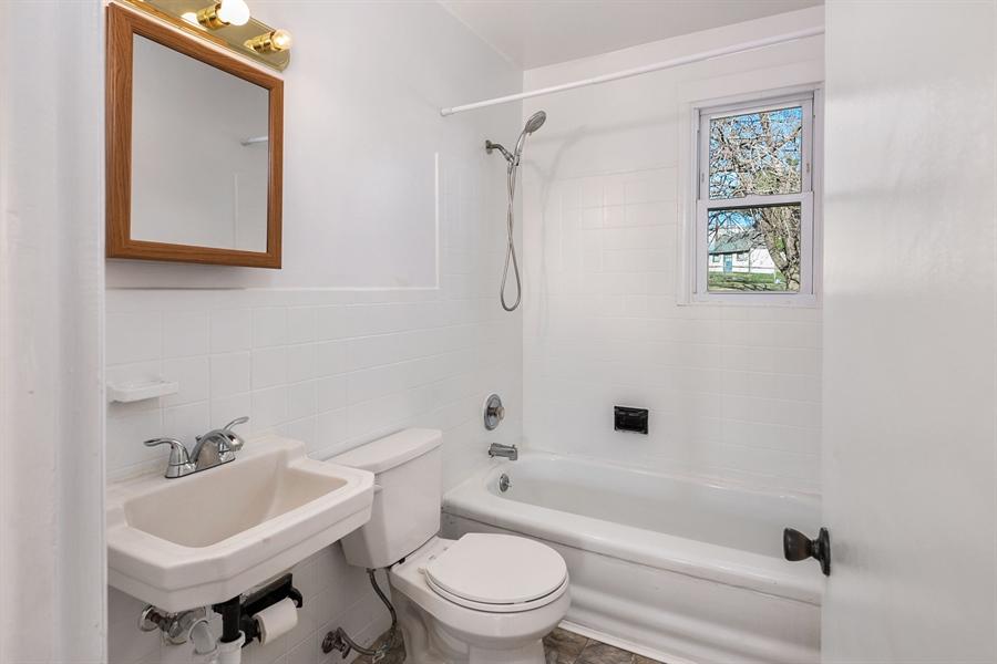 Real Estate Photography - 303 Valley Rd, Wilmington, DE, 19804 - Full Bath