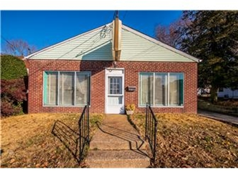 Real Estate Photography - 207 Boxwood Rd, Wilmington, DE, 19804 - Welcome to 207 Boxwood Rd