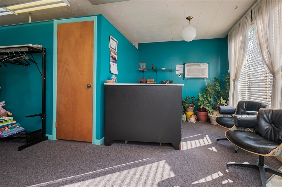 Real Estate Photography - 207 Boxwood Rd, Wilmington, DE, 19804 - Reception Desk