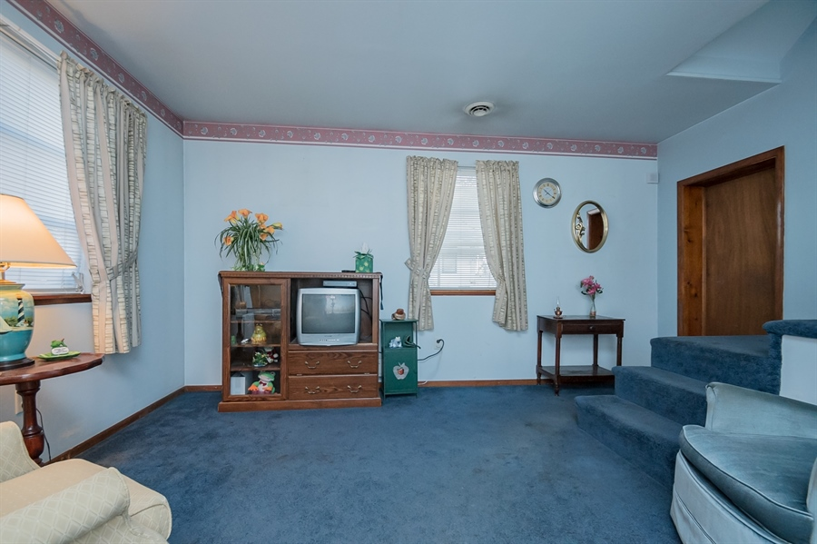Real Estate Photography - 207 Boxwood Rd, Wilmington, DE, 19804 - Living Room 2nd View