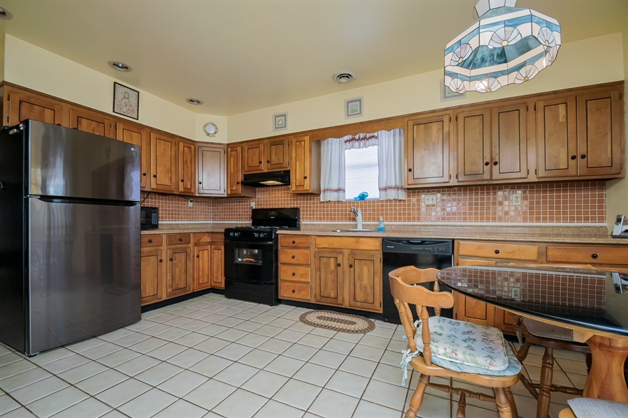 Real Estate Photography - 207 Boxwood Rd, Wilmington, DE, 19804 - Updated Kitchen