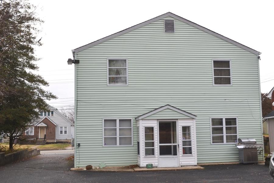 Real Estate Photography - 207 Boxwood Rd, Wilmington, DE, 19804 - Residence Entrance