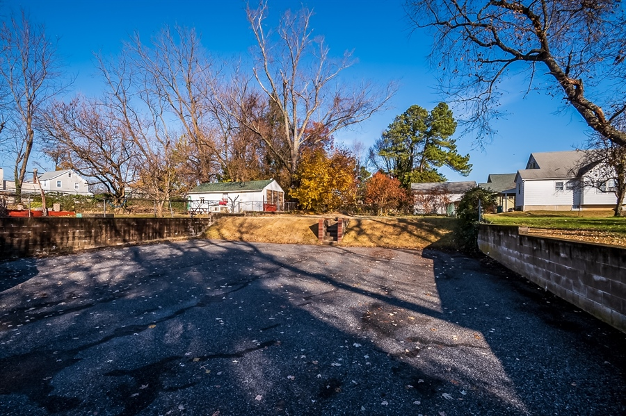 Real Estate Photography - 207 Boxwood Rd, Wilmington, DE, 19804 - Parking for 8 Cars