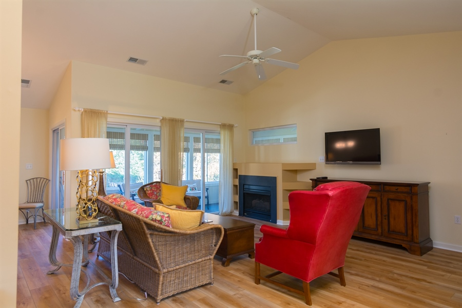 Real Estate Photography - 16 Beech Ln, Lewes, DE, 19958 - Welcoming Living Room