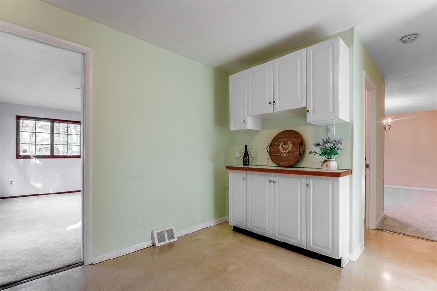 Real Estate Photography - 6 Saint Regis Dr, Newark, DE, 19711 - Lots Of Cabinet Room!