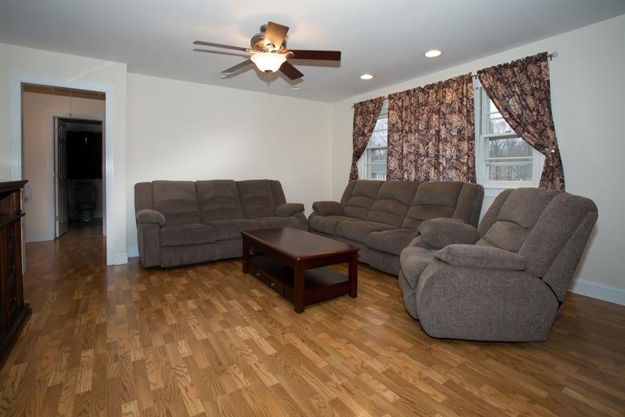 Real Estate Photography - 42 Dawes Dr, Newark, DE, 19702 - 14 x 15 living room w/new flooring