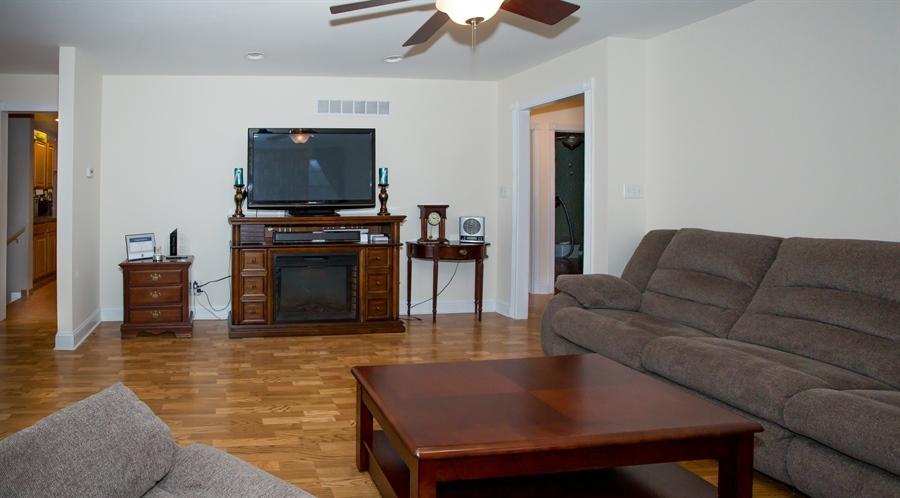 Real Estate Photography - 42 Dawes Dr, Newark, DE, 19702 - Liv.Rm. (cont.) ceiling fan, fresh paint