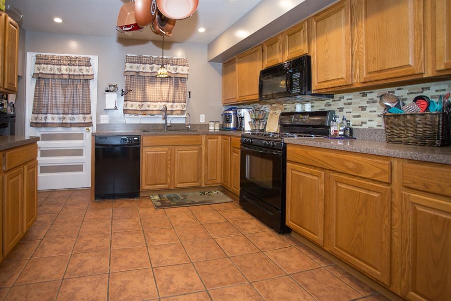 Real Estate Photography - 42 Dawes Dr, Newark, DE, 19702 - Completely updated kitchen