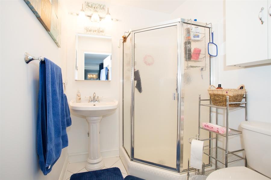 Real Estate Photography - 42 Dawes Dr, Newark, DE, 19702 - Master Bath w/shower