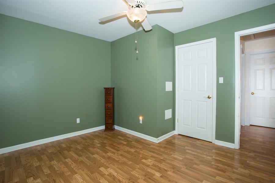 Real Estate Photography - 42 Dawes Dr, Newark, DE, 19702 - 10 X 12 sitting room adj. to master
