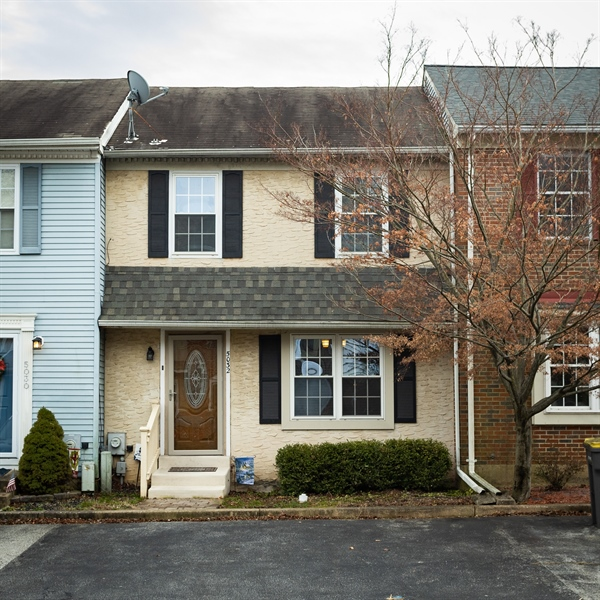 Real Estate Photography - 5032 E Woodmill Dr, Wilmington, DE, 19808 - Welcome!