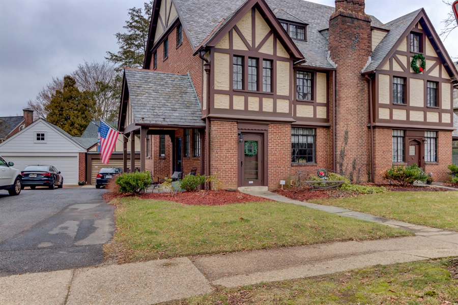 Real Estate Photography - 721 Blackshire Rd, Wilmington, DE, 19805 - Location 1