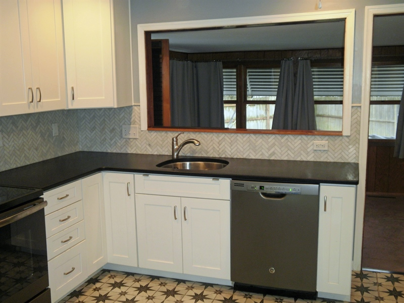 Real Estate Photography - 131 Saint John Dr, Wilmington, DE, 19808 - Recently updated kitchen w/ Granite counter tops