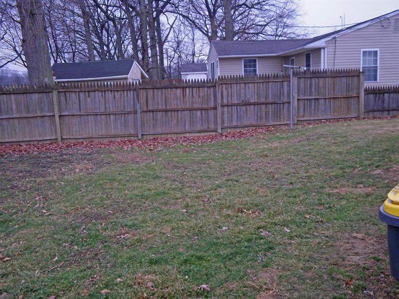 Real Estate Photography - 131 Saint John Dr, Wilmington, DE, 19808 - Large fenced rear yard