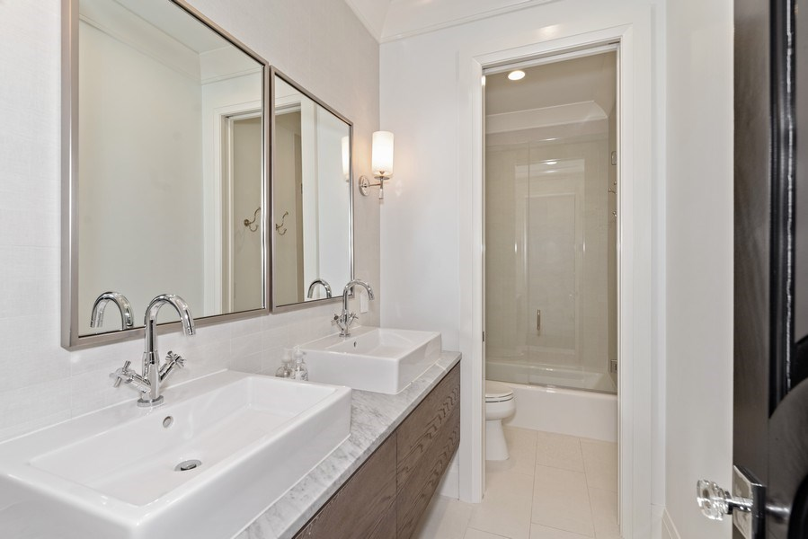 Real Estate Photography - 880 Bonita Drive, Winter Park, FL, 32789 - Bath 4