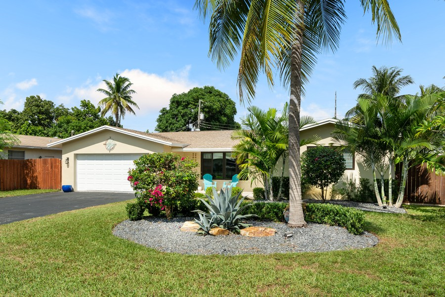 Real Estate Photography - 241 SW 16th St, Pompano, FL, 33060 - Front View