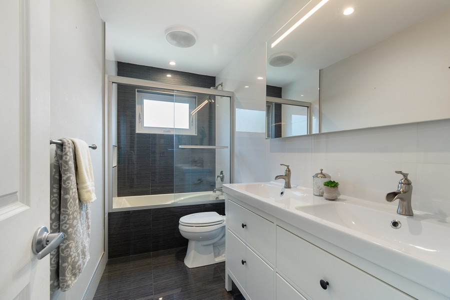 Real Estate Photography - 241 SW 16th St, Pompano, FL, 33060 - Bathroom