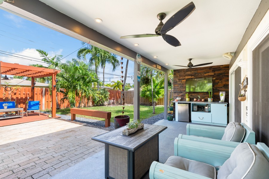 Real Estate Photography - 241 SW 16th St, Pompano, FL, 33060 - Patio