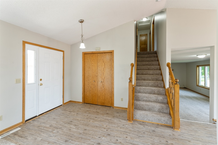 Real Estate Photography - 6404 NEDDERSEN PKWY, Brooklyn Park, MN, 55445 -