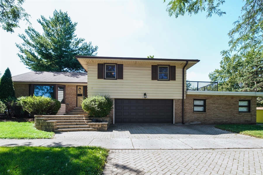 Real Estate Photography - 6 West Rand Road, VILLA PARK, IL, 60181 - Front View