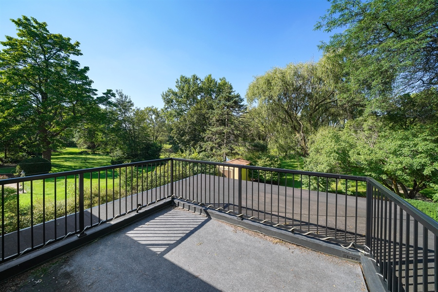 Real Estate Photography - 6 West Rand Road, VILLA PARK, IL, 60181 - Deck