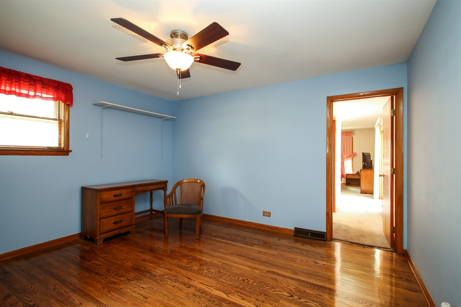 Real Estate Photography - 319 Orchard Terrace, Roselle, IL, 60172 - 3rd Bedroom
