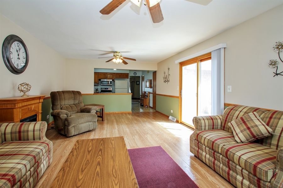 Real Estate Photography - 319 Orchard Terrace, Roselle, IL, 60172 - Family Room