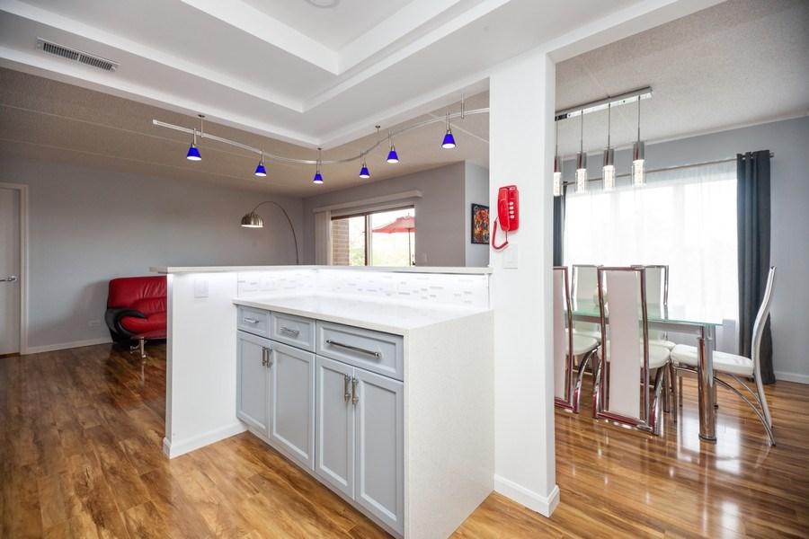 Real Estate Photography - 1480 Jefferson St, 504, Des Plaines, IL, 60016 - Kitchen