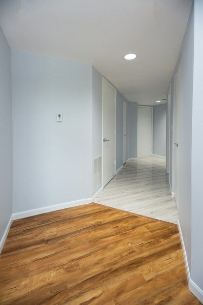 Real Estate Photography - 1480 Jefferson St, 504, Des Plaines, IL, 60016 - Hallway